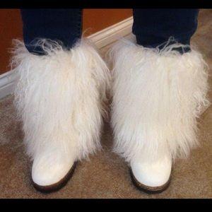 Women's bearpaw furry fuzzy boots